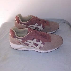 ASICS Lique gel Sneakers in Size 8